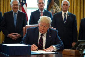 ترامپ لایحه کمک مالی کرونا را امضا کرد