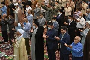 عکس/ برگزاری نماز جمعه بعد از ۱۱۰ روز تعطیلی