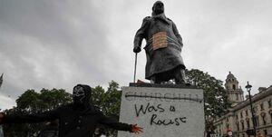 انگلیس از بیم تظاهراتها مجسمه «وینستون چرچیل» را پوشاند