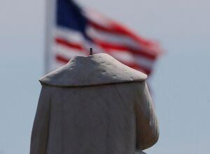 دومینوی سقوط از مجسمهها به شهرهای آمریکایی رسید +عکس