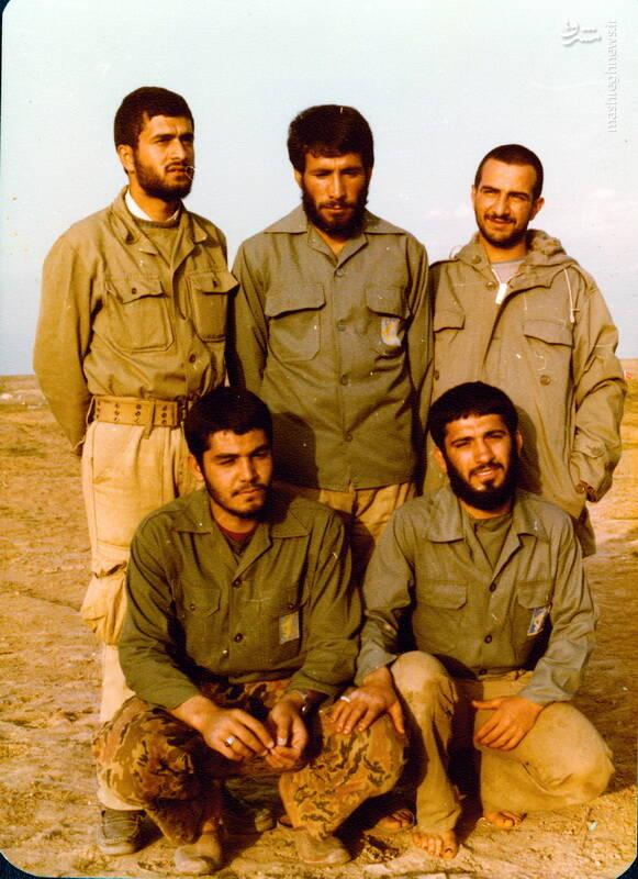 شهید حجتالله امیرصوفی(ایستاده، نفر اول از جپ)