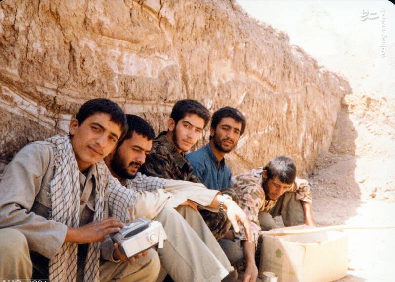 شهید حجتالله امیرصوفی(نفر دوم از چپ)