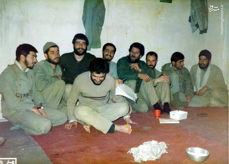 شهید حجتالله امیرصوفی(نفر جلو)