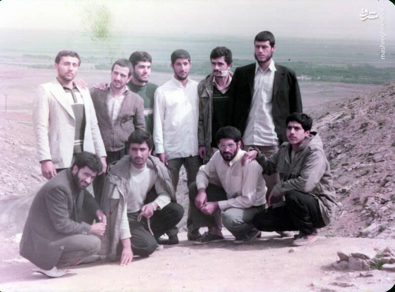 شهید حجتالله امیرصوفی(ایستاده، نفر دوم از راست)