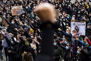 عکس/ غوغای معترضان ضدنژادپرستی در فرانسه