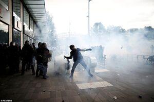 پاریس در آتش خشم معترضین +فیلم