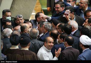عکس/ حلقه اعتراضی نمایندگان به دور وزیر آموزش و پرورش