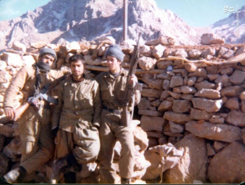 شهید عبدالرضا امینی(نفر اول از چپ)