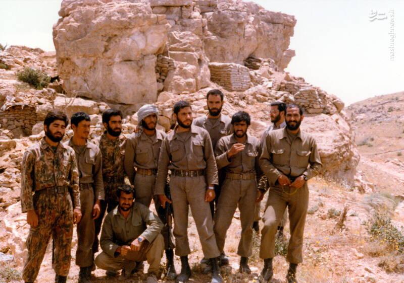 شهید عبدالرضا امینی(نفر سوم از راست)