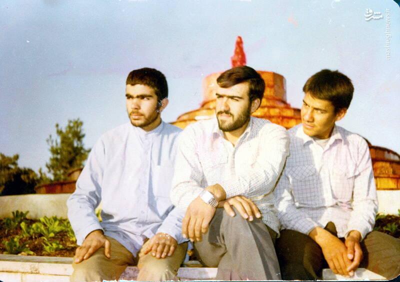 شهید عبدالرضا امینی(نفر وسط)