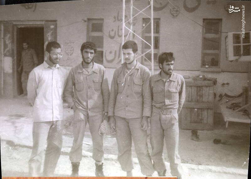 شهید عبدالرضا امینی(نفر اول از راست)