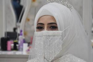 عکس/ ماسک عروس هم به بازار آمد