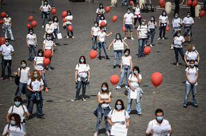 عکس/ تجمع اعتراضی پرستاران با بادکنک