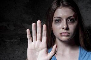 چه کسانی به زنان اهانت میکنند؟ +عکس