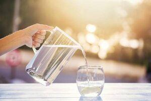 پیامدهای زیادهروی در نوشیدن آب