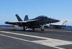 سقوط جنگنده« اف-۱۸» ناو هواپیمابر «تئودور روزولت» آمریکا