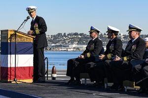 اخراج فرمانده ناو آمریکایی به دلیل هشدار درباره کرونا