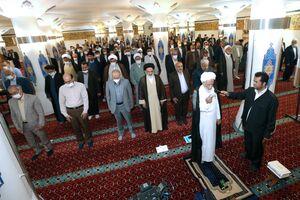عکس/ اقامه نماز آیات توسط نمایندگان مجلس