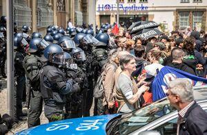 برخورد خشن با مردم؛ این بار پلیس آلمان +فیلم