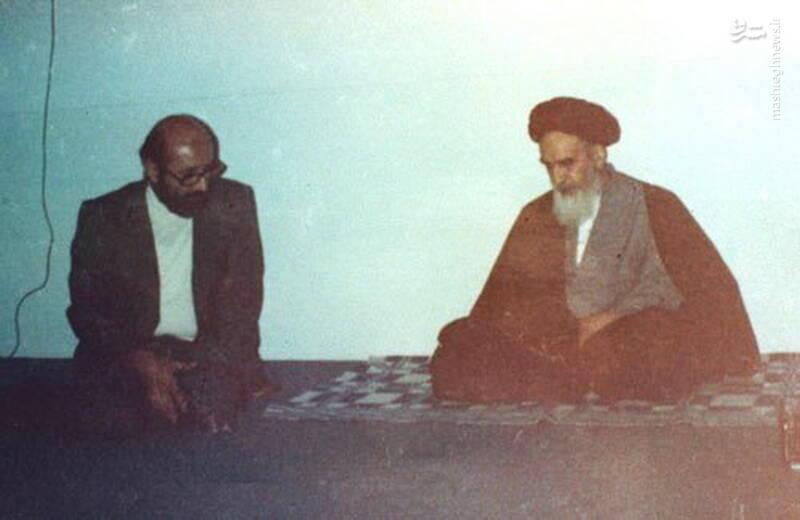 شهید دکتر مصطفی چمران در نحضر امام خمینی