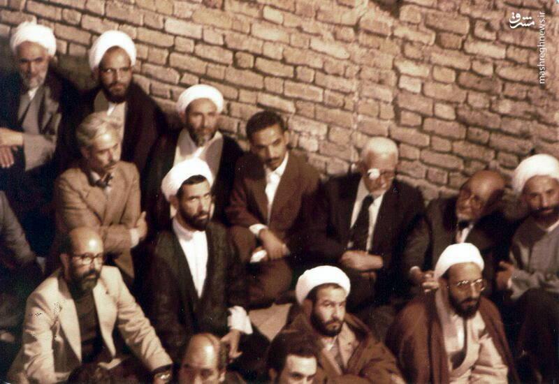 شهید دکتر مصطفی چمران در حسینیه جماران