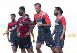گلمحمدی در مورد کاپیتان تیمش ریسک نکرد