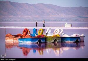 عکس/ دریاچهای صورتی رنگ در شیراز