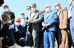 ادای احترام وزیر جهاد کشاورزی به مقام سردار سلیمانی