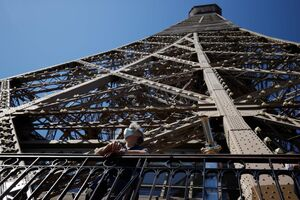 عکس/ بازگشایی مجدد برج ایفل
