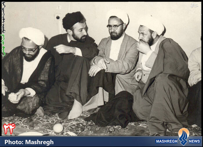 از راست: ناشناخته، شهید مرتضی مطهری، شهید بهشتی، شهید فضل الله محلاتی