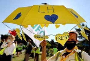 عکس/ تجمع اعتراضی کارکنان شرکت لوفت هانزا