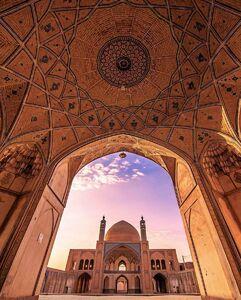 تصویری زیبا از مسجد آقا بزرگ کاشان