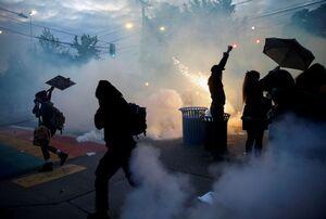 فارین پالیسی: جهان در حال تماشای سقوط بیسابقه آمریکاست