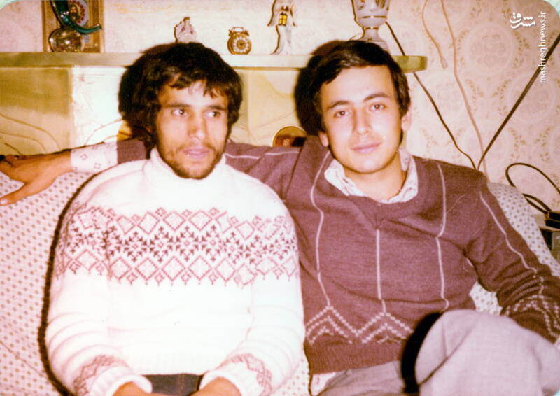 شهید علی اصغر آذرشب(نفر سمت چپ)