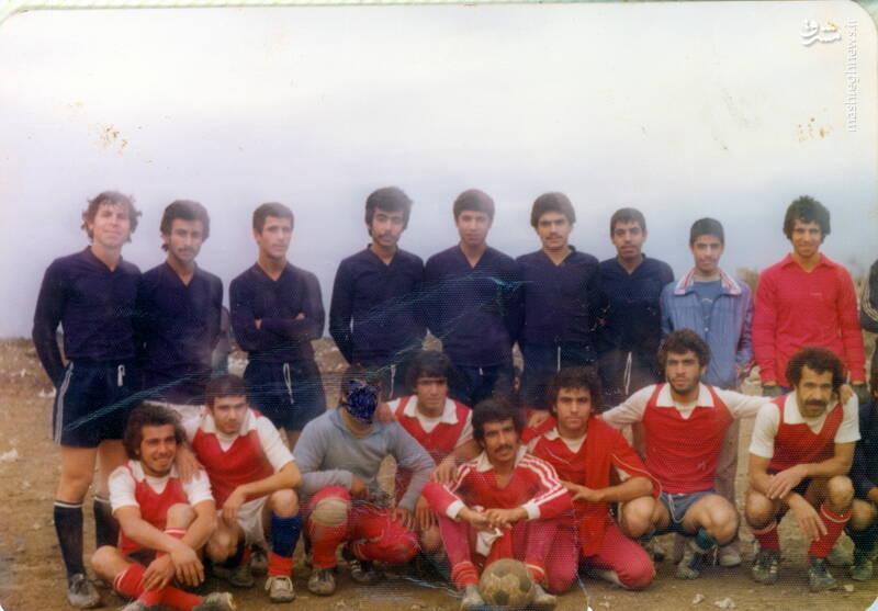 شهید علی اصغر آذرشب(ایستاده، نفر اول از راست)