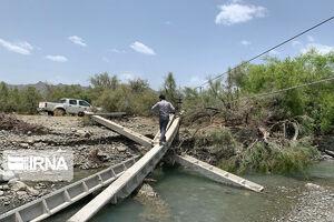 عکس/ خسارات طوفان به شبکه برق سیستان و بلوچستان