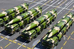 ناوهای آمریکا در تیررس موشکهای «دانگ فنگ» ارتش چین قرار دارند - کراپشده