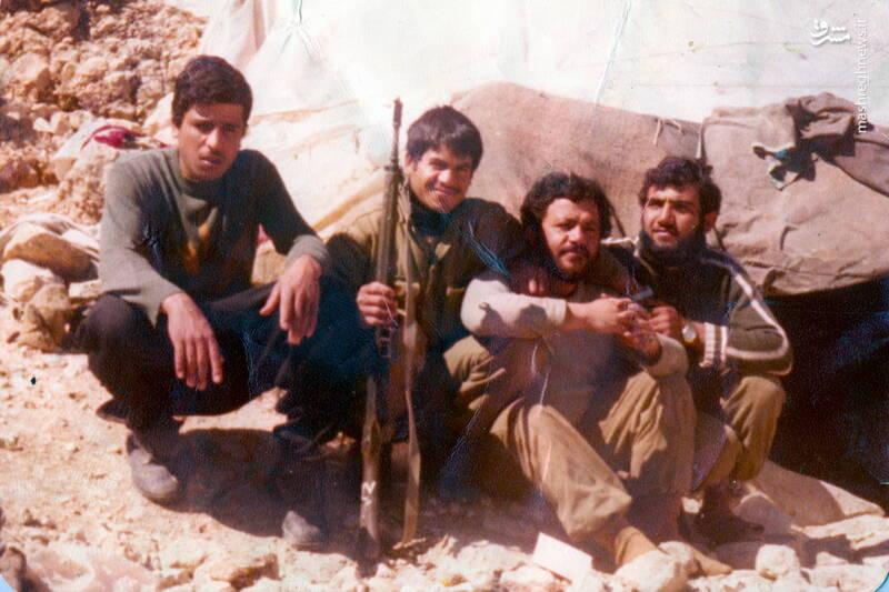 شهید رجبعلی بکشلو(نفر اول از راست)