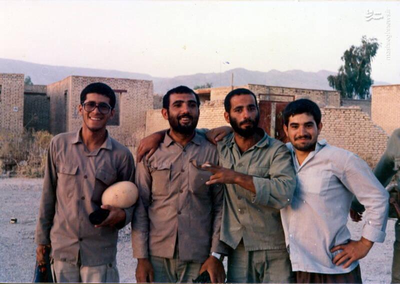 شهید رجبعلی بکشلو(نفر دوم از چپ)