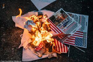 سقوط ۵ جنگنده و سوختن یک ناو جنگی عادی است؟