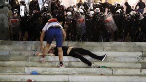 شورش برای لغو قوانین قرنطینه
