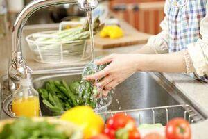 بدترین روش برای ضدعفونی میوه و سبزیجات!