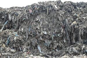 عکس/ دفن روزانه کوه زباله در آستارا