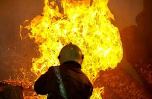 نجات ۲۷ نفر در آتشسوزی منزل مسکونی