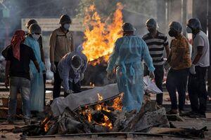 عکس/ سوزاندان اجساد مبتلایان کرونا