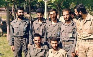 سردار سلیمانی در کنار شهیدی که ۱۱بار مجروح شد + عکس