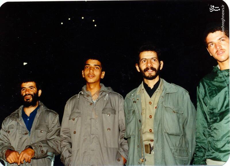 شهید عباس بخشی(نفر دوم از چپ)