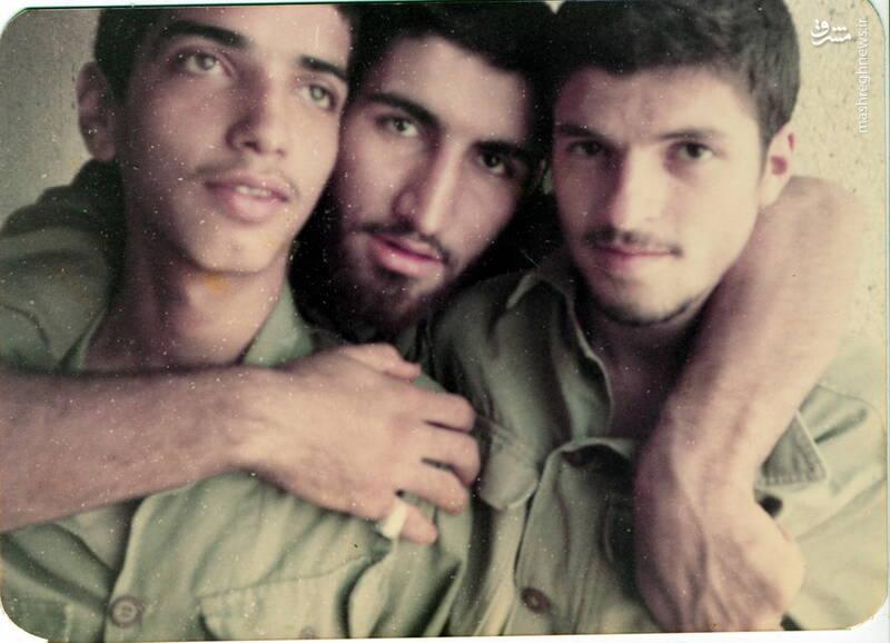 شهید عباس بخشی(نفر اول از چپ)