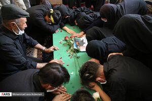 عکس/ تشییع پیکر شهید مدافع حرم در قرچک