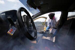 عکس/ ضدعفونی خودروهای تاکسی